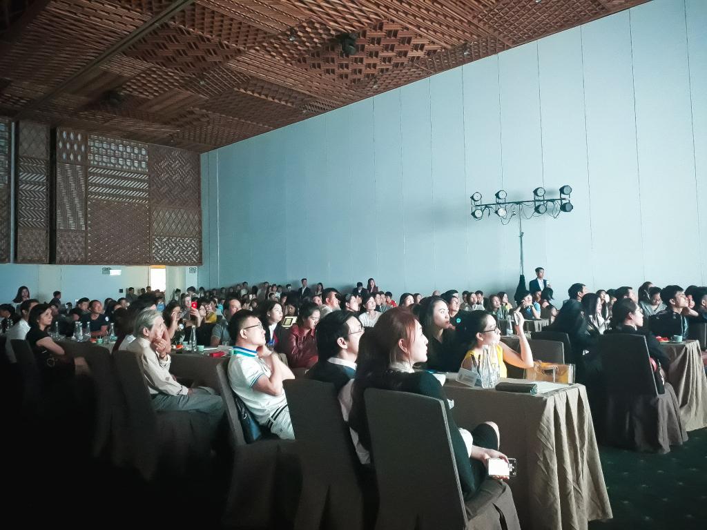 Quý khách hàng tập trung tìm hiểu về dự án tại buổi event