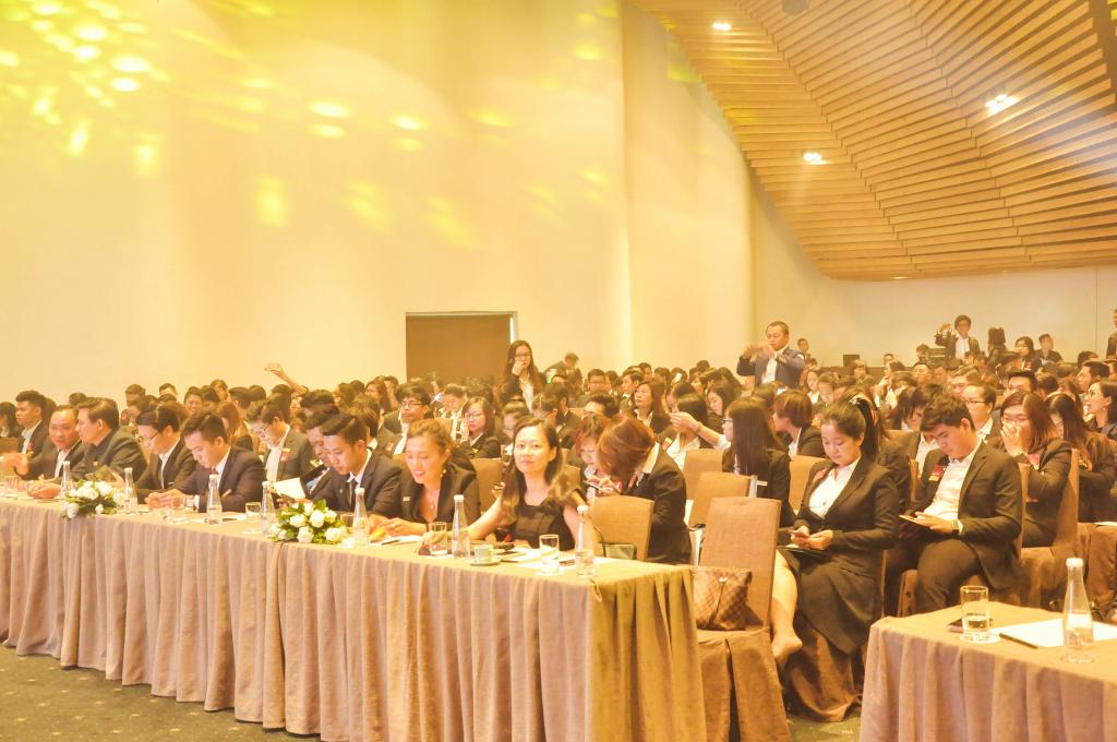 Buổi đào tạo quy tụ rất đông các chuyên viên tư vấn của Nhà Đại Phát và hệ thống cộng tác viên.