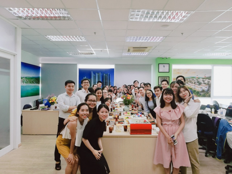 Toàn thể nhân viên Nhà Đại Phát trong buổi sinh nhật nhân viên tháng 5