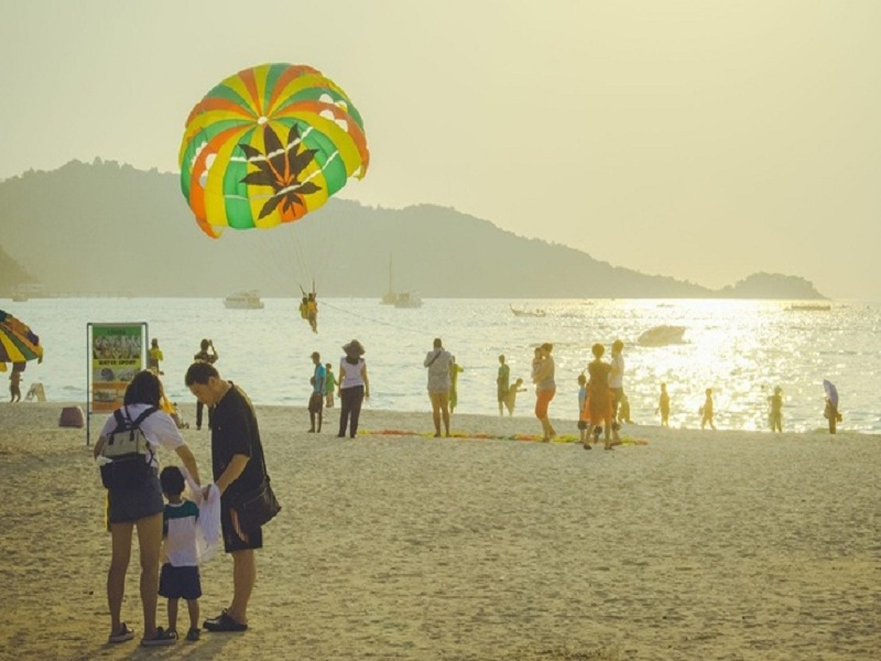 Phuket tái mở cửa du lịch